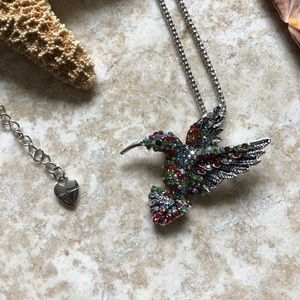 [NWOT] Betsey Johnson Multi Hummingbird Necklace
